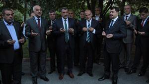 Vali Şahin İstanbula dualarla uğurlandı