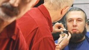 Operada 47 yıldır makyaj yapıyor