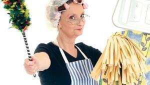 Ev kadını haftada 3-4 kez çamaşır yıkıyor, temizlikte yardım almıyor