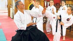 Karate aşığı Hakkı Koşar
