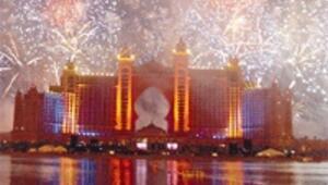 Dubai'de, 1.5 milyar dolarlık Atlantis 20 milyon dolarlık ziyafetle açıldı