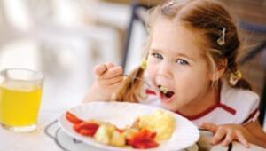 Çocuklar nasıl beslenmeli