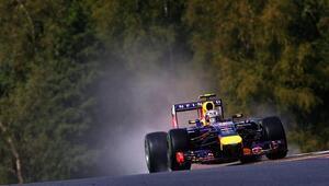 Ricciardo üst üste 2. yarışını kazandı