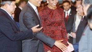 Elini sıkmayacaktım Michelle Obama zorladı
