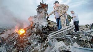Malezya Havayollarının uçağı Ukraynanın doğusunda düşürüldü