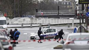Pariste gözaltına alınan şüpheliler serbest