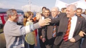 Adana adayı mahalle baskısıyla değişti