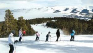 Sarıkamış kara kavuştu, kayakçıları bekliyor