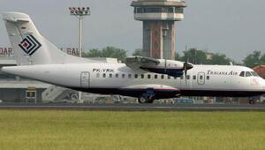 Endonezyada 54 kişiyi taşırken kaybolan uçağın enkazına ulaşılmaya çalışılıyor