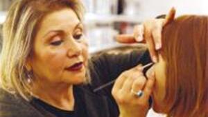 Makyajına en çok önem veren Turgut Özal'dı