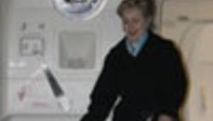 Olmaaaz... One minute, one minute Secretary Clinton