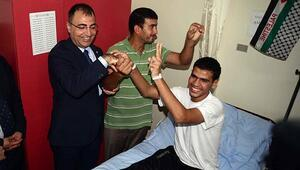 Filistinli yaralılara ziyaret
