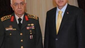 Erdoğana tek tip askerlik brifingi