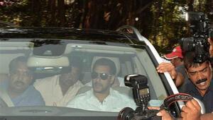 Bollywoodun ünlü aktörüne hapis şoku