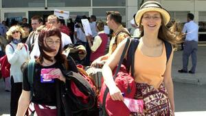 Turisti 2 milyon uçuracak