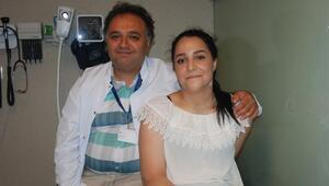 Fil hastası kızı Türk doktor tedavi ettti