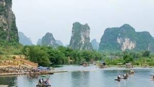 Yangshuo'nun Fışkıran Kayalar'ı