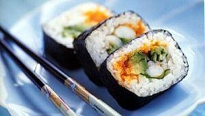 Uzayda sushi yediler