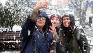 13 Ocak Salı İstanbul ve Ankara'da okullar kar tatili mi
