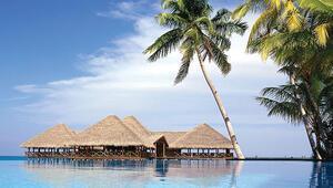 Maldivlerde sevgiliyle baş başa