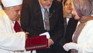 Kraliçe Bursa'da Osmanlı'yla buluştu