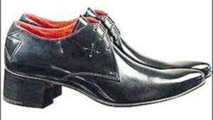Erkekler topuklu giyiyor buna Sarkozy efekti deniyor
