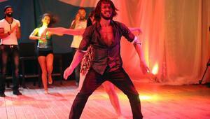 Hilmi Cemin Yok Böyle Dans performansı   Survivor All Star izle
