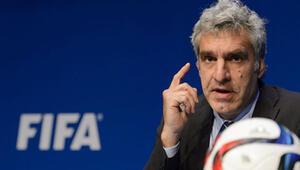 FIFA ile dalga geçince işinden oldu