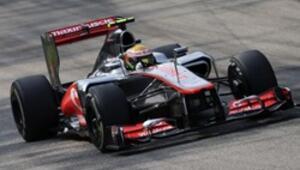 İtalyanın en hızlısı Lewis Hamilton