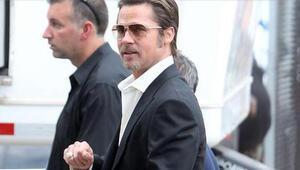Brad Pitt, 10 milyon için balayını yarım bıraktı