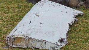 Malezya: Hint Okyanusunda bulunan parça kayıp uçağa ait