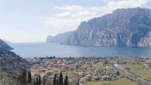 Kuzey İtalya'nın pembe manolya cenneti