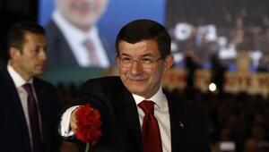 Davutoğlu seçim beyannamesini açıkladı
