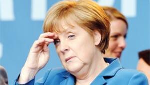 Merkel'e son darbe