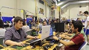 Bilgisayar tutkunları yarıştı