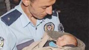 Polisler, terk edilen bebeğe bomba kurbanı Aleyna'nın adını verdi