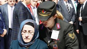 Şehit Savcı Mehmet Selim Kiraz son yolculuğuna uğurlandı