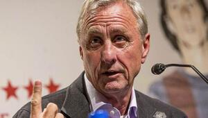 Cruyff: Barcelonayı böyle görmek üzücü