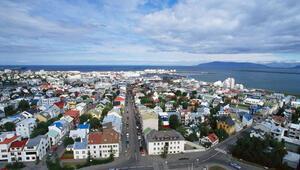 Batmayan güneş İzlandalı Müslümanları ikiye böldü