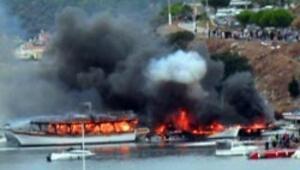 Yemek yaparken tekneleri yaktılar
