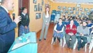 Altınok'tan öğrencilere ücretsiz teleferik müjdesi