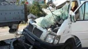 4 ilde trafik kazası: 12 ölü