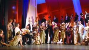 İki İspanyol operası seyirciyle buluşuyor