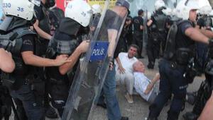 İzmirde polisten sert müdahale
