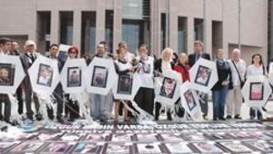Tutuklu gazetecilere özgürlük için