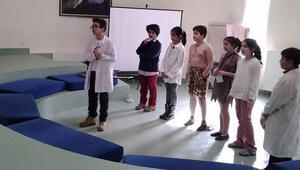 Öğrenciler problem çözmek için yarıştı