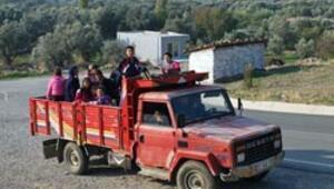 Öğrenciler kamyon yolculuğu ardından eğitime başlıyor