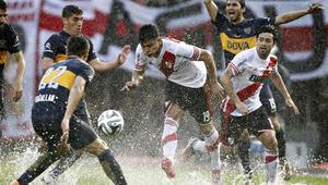 Superclasico out Waterclasico in