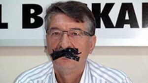 Ergenekon Davası kararlarına siyah bantlı protesto