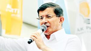 Başbakan Ahmet Davutoğlu: Erdoğan'ı hedef alan bizi hedef almıştır